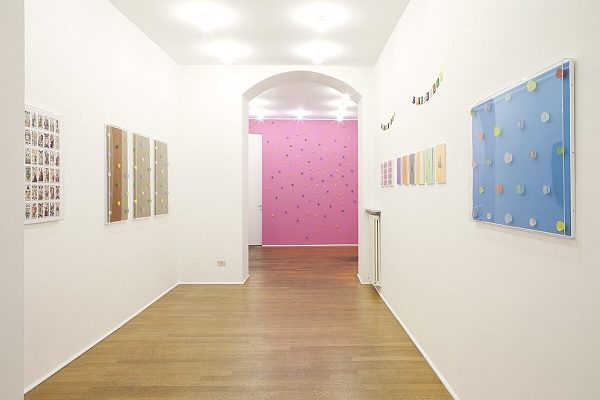 Angelo Formica, Gioco sacro, exhibition view, 2013, Galleria Toselli
