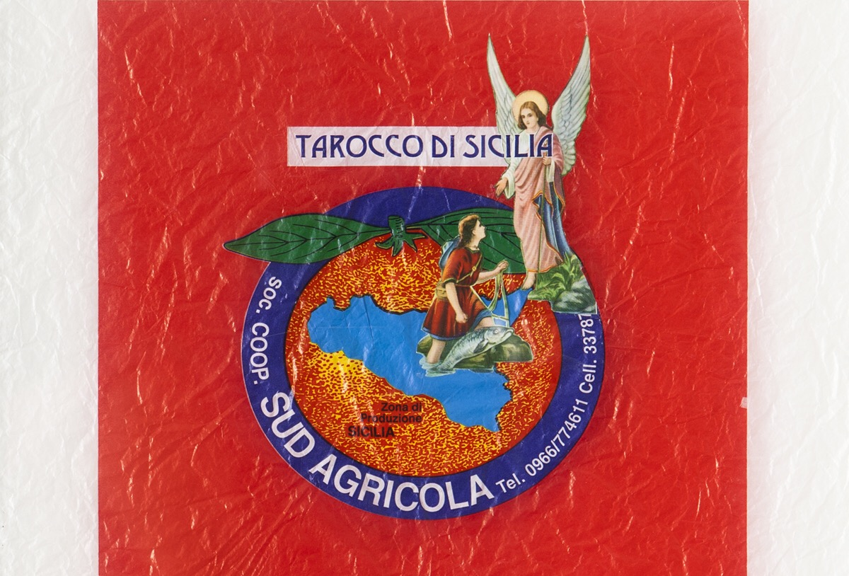 Angelo Formica, Tarocco di Sicilia, dettaglio, collage in teca, 2008, Galleria Toselli